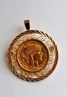 Pendant-brooch set with one gold coin - Napoleon of 20 Francs from 1910, weighing 11.87 g of 18 and 21 kt gold.