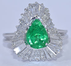 4.72 Ct Emerald and Baguette Diamonds,  - NO reserve price!