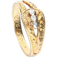 18 kt - Yellow gold treated ring set with 3 diamonds of approx. 0.015 ct in a white gold setting - ring size: 15.75 mm