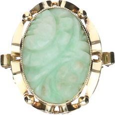 14 kt - Yellow gold treated ring set with cut jade - ring size: 17.75 mm
