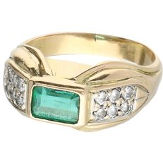 18 kt Yellow gold ring set with an emerald and 12 round brilliant cut diamonds of approx. 0.02 ct each
