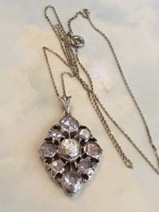 14 kt gold necklace with an antique 14 kt yellow gold and silver pendant with rose cut diamonds approx 4.40 ct
