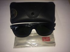 Ray-Ban Sunglasses New Wayfarer Polarized Unisex