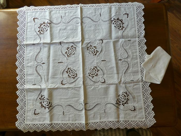 Lot of three handmade tablecloths/runners - Italy 1950/1960