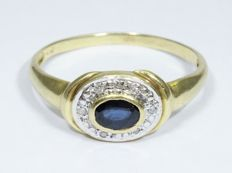 18 kt Gold Ring with Sapphire & Diamonds