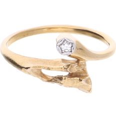 14 kt - Yellow gold ring by the brand Lapponia, set with an octagon cut diamond of approx. 0.02 ct in total - Ring size: 17.5 mm