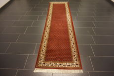 Magnificent hand-knotted oriental palace carpet, Sarouk Mir, runner, 67 x 245cm, made in India, best highland wool