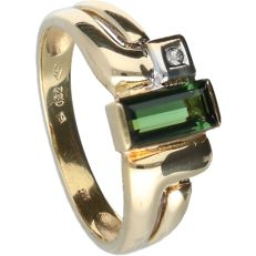 18 kt - Yellow gold ring set with tourmaline and one octagon cut diamond, approx. 0.01 ct in total, in a white setting - Ring size: 17.75 mm