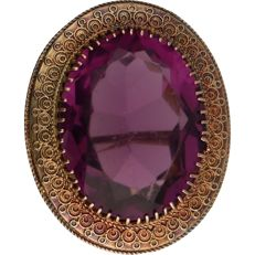 14 kt - yellow gold brooch set with synthetic amethyst - length x width: 3 x 2.5 cm