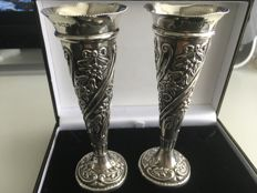 A pair of ornate antique solid silver Art Nouveau style vases - William Devenport - Birmingham - 1900
