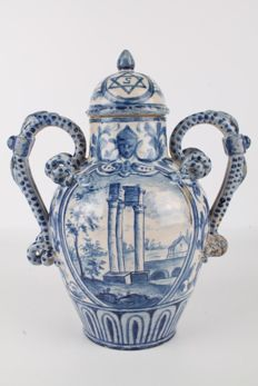 Savona (?) - Large Italian Majolica Blue and White Vase.