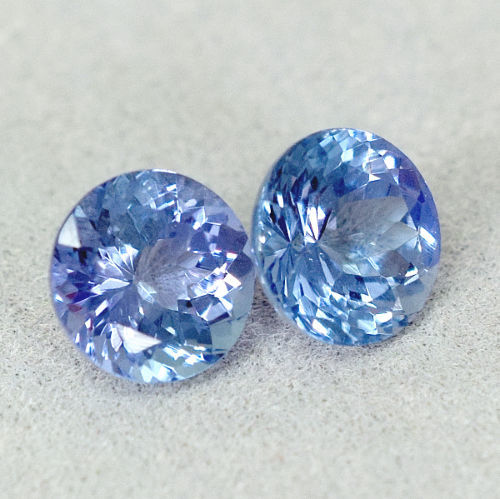 Tanzanite (2) – slightly violetish Blue - 1.42 ct