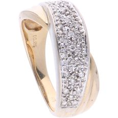 14 kt - Bi-colour band ring set with 29 brilliant cut diamonds of 0.25 ct in white gold setting - ring size: 18.25 mm