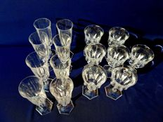 Lot of 15 candle holders in cut and chiselled crystal with hexagonal base.