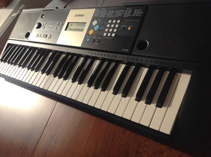 yamaha ypt 220 keyboard with 61 keys 375 sounds portable grand piano and midi catawiki. Black Bedroom Furniture Sets. Home Design Ideas