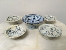 5 B/W Porcelain offering trays/bowls - China - 19th century.