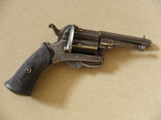 Pin fire revolver type Lefaucheux calibre 7mm.