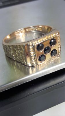 Vintage Men's ring set with 5 black diamonds, low reserve