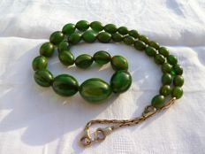 Beautiful Art deco necklace in tested Bakelite