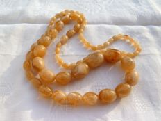 Beautiful lucite necklace with an exceptional colour