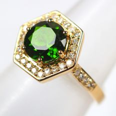 IGI Certified 2.12Ct Natural Russian Green Diopside 14K Yellow Gold 4.237gram Diamond Ring Europe Size 52 (No Reserve)