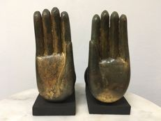 Two Wooden Gilt Buddha hands. Mandalay period - Burma - second half 20th century