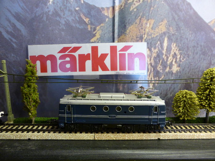 Märklin H0 - SEH800/3013 - E - locomotive series 1100 of the NS, blue