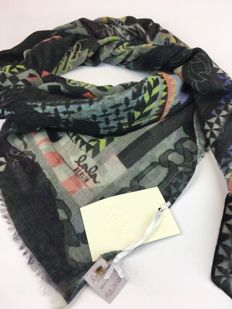 Lala Berlin – haute couture - scarf.