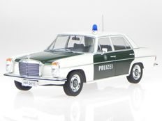 Modelcar Group - Scale 1/18 -  Mercedes 220 Polizei