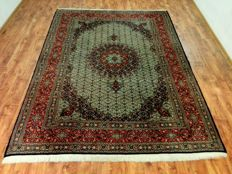 Wonderful & Beautiful Iran Persia Moud finely hand-knotted  293 x 216 cm TOP Quality & Condition