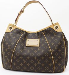 Louis Vuitton – Galliera PM Shoulder bag