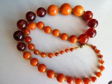 Superb necklace in two colours Bakelite