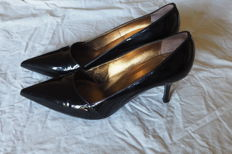 Giuseppe Zanotti famous shoemaker Court shoes in high quality, glossy leather  In excellent condition
