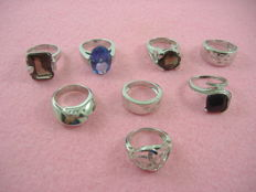 Lot of 8 rings in .925 silver, circa 1970/1980, with topaz, onyx amethyst, and diamonds