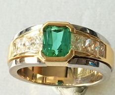 Ring with Emerald 1.40 ct  & diamonds baguettes 1.20 ct - size 54