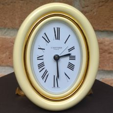 Stunning Cartier Paris Swiss-Made desk/alarm clock - In excellent condition, 18 kt gold plating