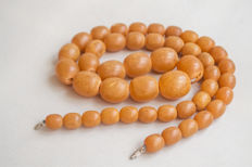 Vintage Baltic Amber necklace of butterscotch, caramel colour, 65 gram