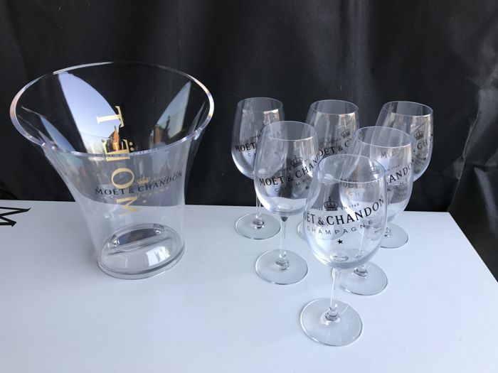 6 Moët et Chandon Crystal Champagne Glasses (in original box) & 1 Moët et Chandon Champagne Cooler