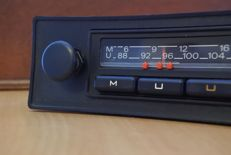 Grundig Braunschweig 3 classic car radio for Volkswagen and Audi - 1978