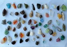 Large lot of semi-precious and mineral pendants - 12 to 36 mm - 67 pieces - 281 g