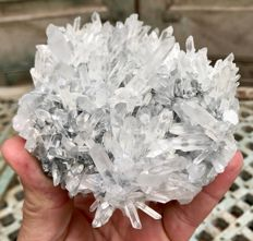 Large quartz cluster on matrix - 10.2 x 10 x 7.8 cm - 645 g