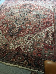 Beautiful Persian Heriz with natural signs of wear!! Approx. 300 x 380 - in good condition - PERSIA - quick delivery!