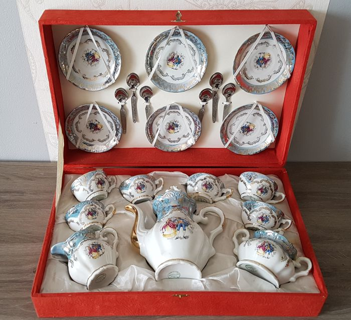 Genuine porcelain coffee set, made in Italy (21 pieces)