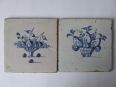 2 antique tiles with fruit baskets without corner decoration