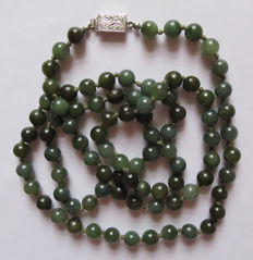 Vintage long jade pearl necklace with 835 silver clasp, length 87cm