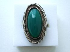 Vintage 1950s - Art Deco revival - Solid Silver Statement Cocktail Ring with 9 carat Genuine Chrysoprase Cabochon