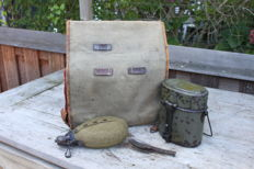 German knapsack 1917, field bottle, food kettle and foldable cutlery