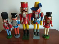 5 Nutcrackers - Westerwald of Germany - wood 60s 70s various sizes