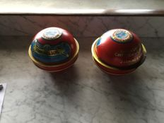 2 Vintage cheese tins by Laming Rotterdam between 1920 and 1970