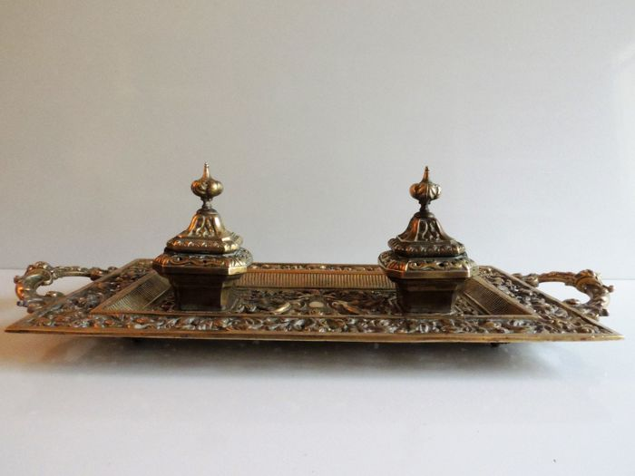 Large desk set and its 2 inkwells in solid bronze - 55 cm x 24 cm - 1880